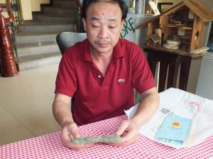 2014-03-31 Vater von Thanh bekommt Geld für Roller